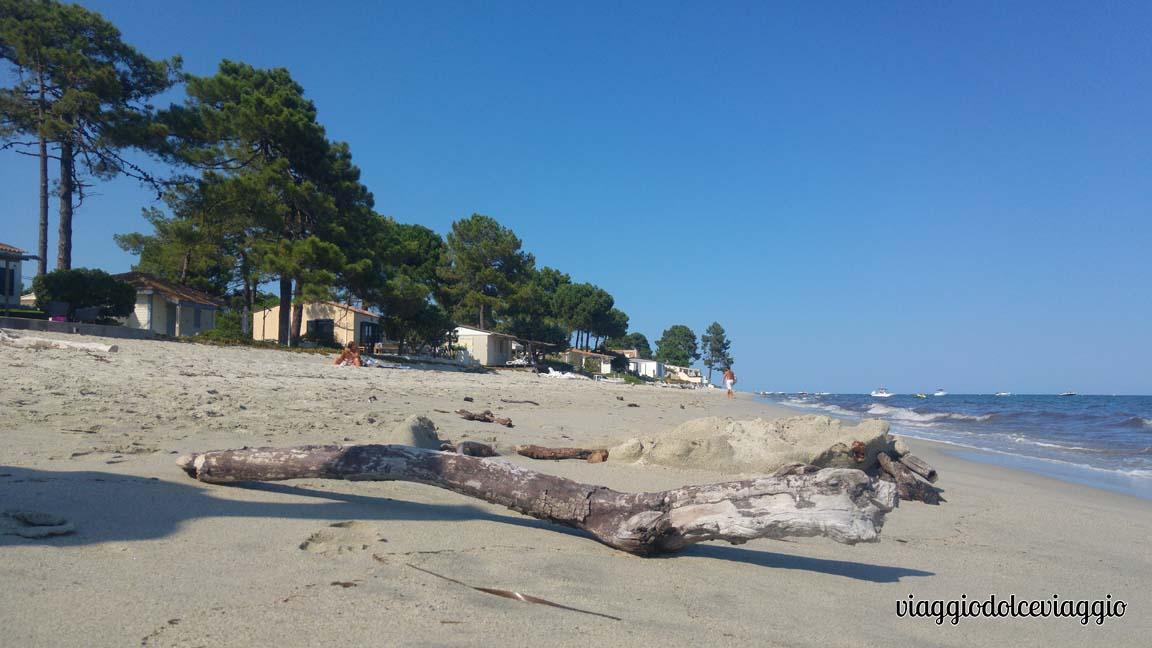 Casette affacciate sulla spiaggia di Ghisonaccia